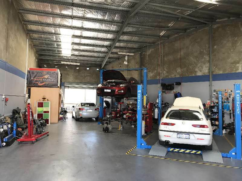 Auto Services in BAYSWATER