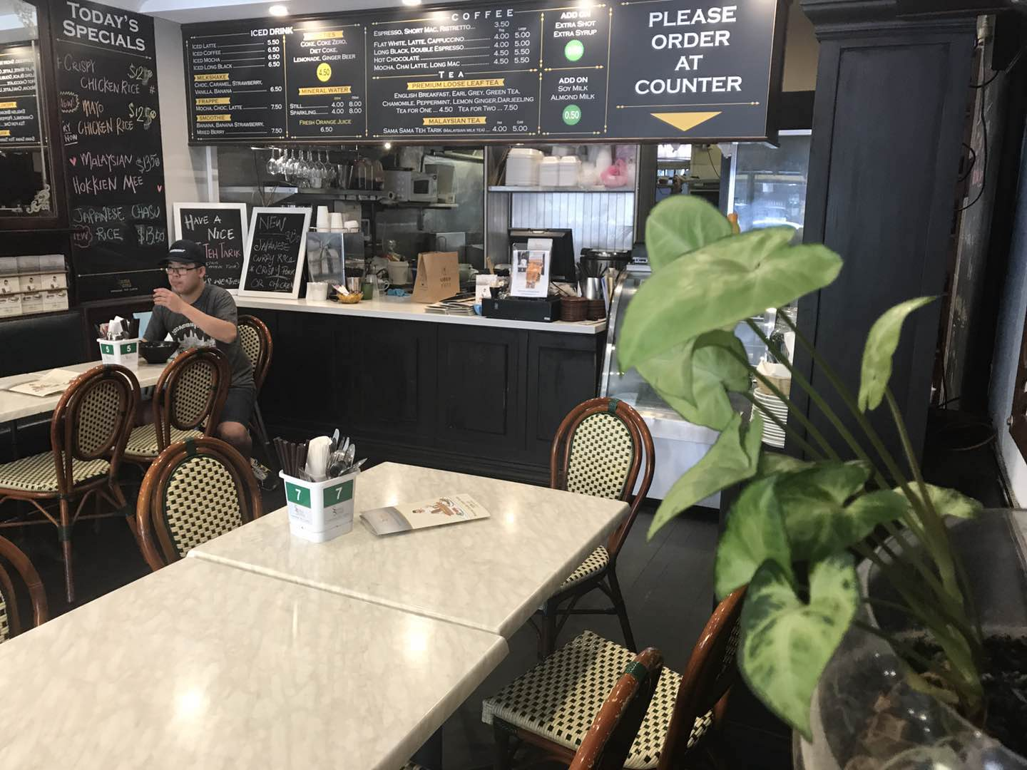 Opportunity Knocks – perfect for cafe, restaurant seekers