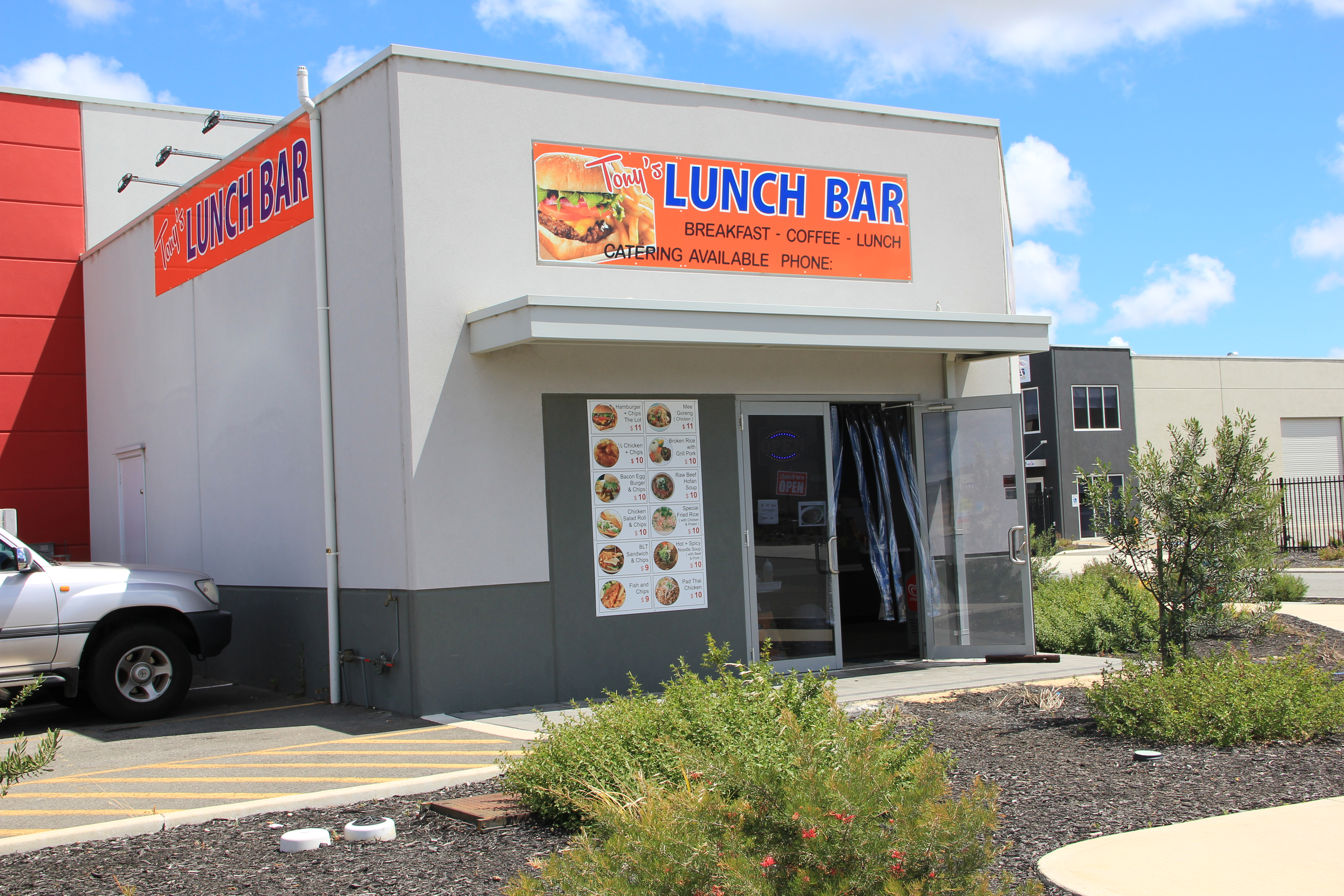 Lunch Bar in fast growing commercial area of Wangara!!